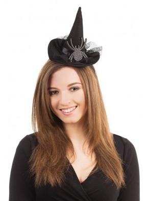Черная шляпка с пауком на ободке