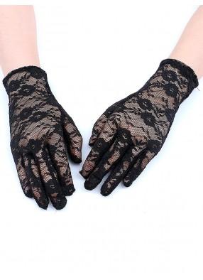 Черные гипюровые перчатки средней длины