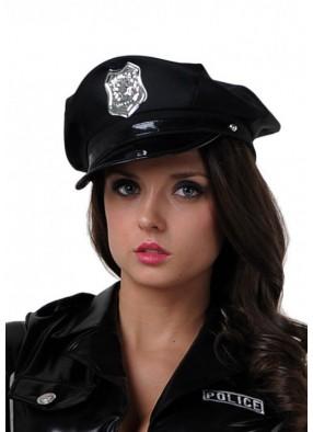 Фуражка серьезного полицейского