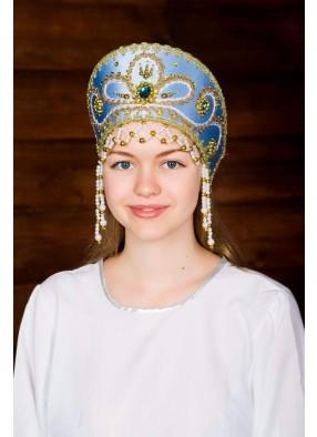 Голубой кокошник русской красавицы