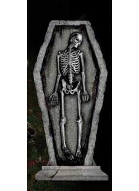 Готическое надгробие - Скелет в гробу