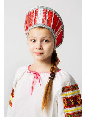 Красный русский народный кокошник