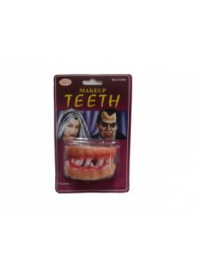 Кровавые зубы вампира