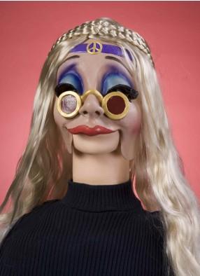 Маска привлекательной девушки хиппи фото