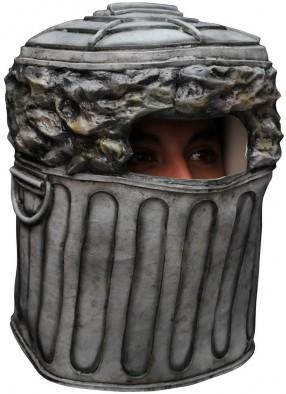 Маска внутри мусорного ведра