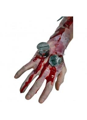 Накладная рана с гвоздями