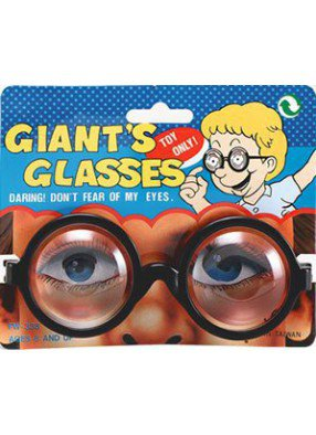 Очки Гигант увеличивают глаза