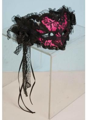 Розовая ажурная венецианская маска фото