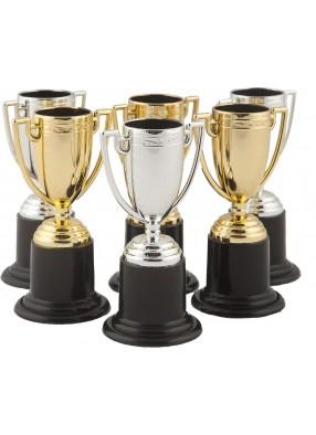 Шесть кубков победителей