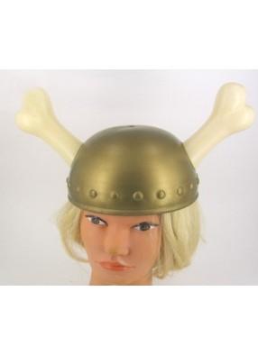 Шлем викинга с торчащими костями