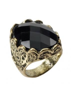 Старинное кольцо с черным камнем