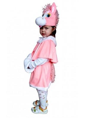 Застенчивая розовая пони