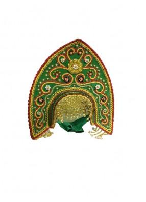 Зеленый заостренный кокошник
