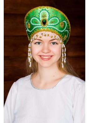 Зеленый кокошник русской красавицы