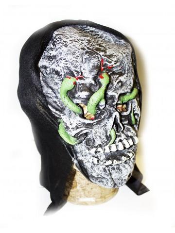Маска черепа со змеями фото