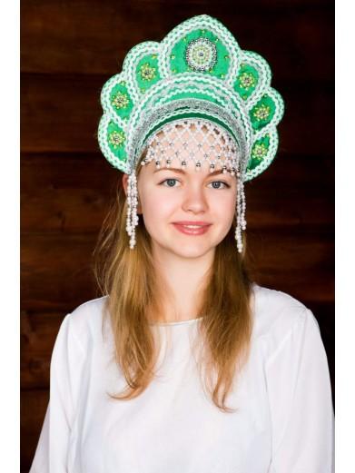 Зеленый народный кокошник